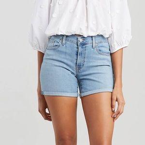 Levi's mid length shorts NWT